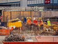 România primește mai puțini lucrători străini în 2021, pe fondul scăderii numărului de locuri de muncă vacante și a cererii de permise de muncă