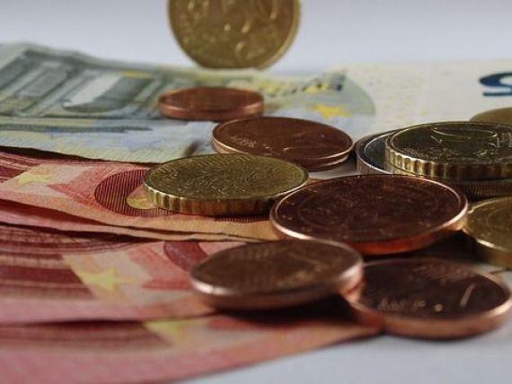 Euro crește din nou aproape de maximul istoric de săptămâna trecută. Cursul BNR