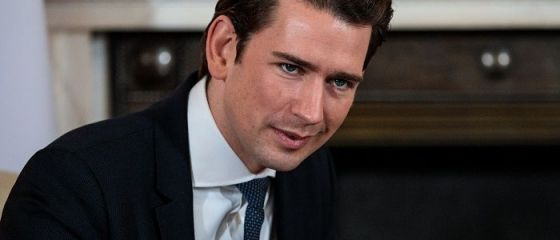 Cancelarul Austriei vine la București în ziua în care Guvernul se pregătește să dea ordonanța care va lovi băncile austriece din România