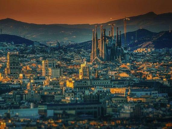 Spania se îndreaptă spre un nou record de turiști. Un număr de străini cât populația României au vizitat doar Barcelona, anul trecut