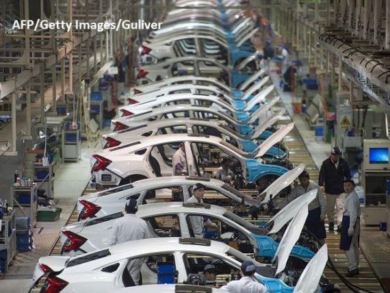 Industria auto se confruntă cu cele mai mari provocări din istorie. Vânzările de maşini înregistrează o evoluţie negativă neîntâlnită de la recesiunea din 2008