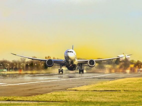Record de bilete de avion achiziționate în ianuarie, cu 60% mai mult faţă de luna precedentă. Prețurile au pornit de la 20 de euro