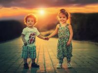 Guvernul va amâna termenul de intrare în vigoare a dublării alocaţiilor pentru copii