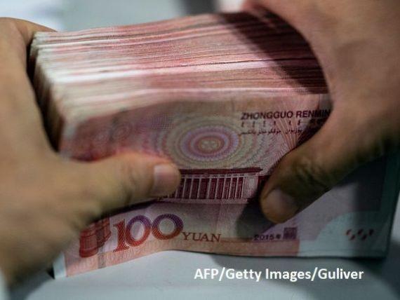 China și-a lăsat moneda să se deprecieze până la cel mai scăzut nivel din ultimii 11 ani. Războiul lui Trump dărâmă a doua economie a lumii