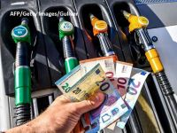 Isărescu anunță o temperare a creșterii prețurilor în acest an. Eliminarea supraaccizei la carburanți ar putea fi anulată de scumpirea petrolului, ca urmare a conflictului din Orientul Mijlociu