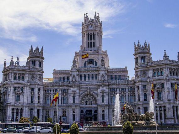 Când își deschide granițele Spania, a doua cea mai vizitată țară din lume, dar lovită grav de coronavirus. Turismul reprezintă 12% din PIB