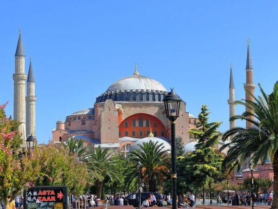 Cel mai cunoscut muzeu din Istanbul ar putea fi vizitat gratis, cu o condiție. Ce planuri are Erdogan cu Hagia Sophia