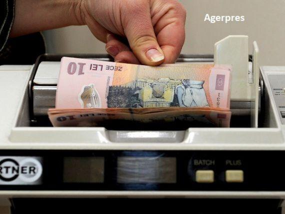 Aproape 40.000 de persoane fizice şi juridice beneficiau, la 30 aprilie, de măsura suspendării plăţii ratelor la credite
