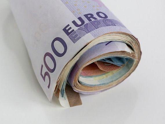 Șapte din 10 români consideră datoriile o problemă care trebuie rezolvată rapid. De ce se împrumută la bănci