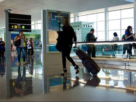 Directorul Aeroportului Iaşi propune închiderea spaţiului aerian al României pentru zborurile civile