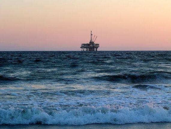 Premieră în România: Gloria, gigantul de oțel din Marea Neagră,  scoasă la pensie  după 40 de ani. OMV Petrom plătește 5 mil. euro pentru dezafectare