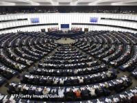Parlamentul European cere României să afle adevărul despre Revoluția din 1989