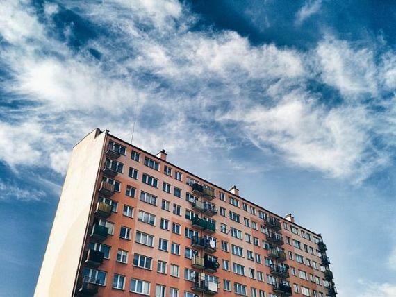 Creșterea prețurilor locuințelor a încetinit în septembrie. Iașiul și Brașovul s-au ieftinit, Bucureștiul crește peste media națională