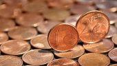 Isărescu:  România a ales calea de mijloc în ceea ce priveşte moneda unică. Dacă am adopta acum euro, şocurile ar fi destul de mari