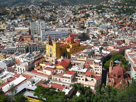 Mexicul vinde proprietățile traficanților de droguri: case cu tuneluri de evacuare și apartamente în care au avut loc execuții mafiote