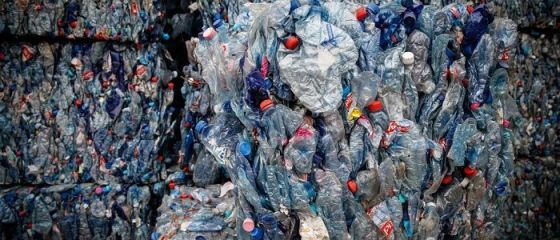 CE interzice exporturile de deşeuri din plastic în ţările sărace