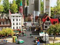 Familia producătorului danez de jucării Lego preia Legoland și muzeele Madame Tussauds