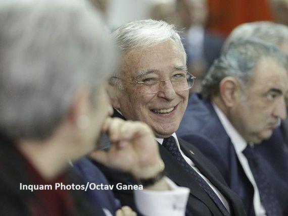 Bloomberg: Cel mai longeviv guvernator de bancă centrală din lume se pregătește pentru un nou mandat. Cine îl susține pe Isărescu