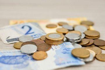 Salariul mediu net a crescut cu 600 de lei în ultimul an, dar au crescut și cheltuielile. Pe ce își dau românii banii: jumătate nu îşi permit o vacanţă de o săptămână