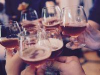 """Țara care vinde alcool doar străinilor ieftinește băuturile și elimină """"taxa pe păcat"""", introdusă la începutul anului"""