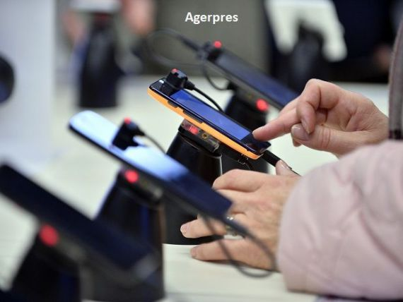 Nouă din cele mai vândute 10 smartphone-uri anul trecut sunt produse de Apple şi Samsung