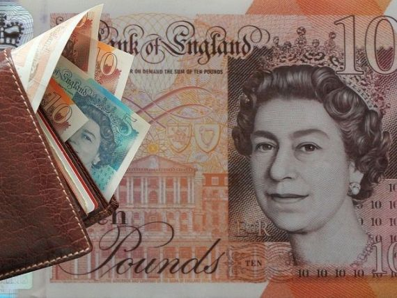 Britanicii își recuperează banii pierduți din cauza Brexitului. Lira sterlină crește la cel mai ridicat nivel după luna mai, în speranţa unui acord
