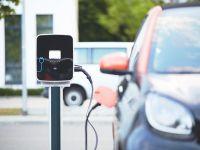 AXA: Automobilele electrice, mai predispuse la accidente față de cele cu motoare standard