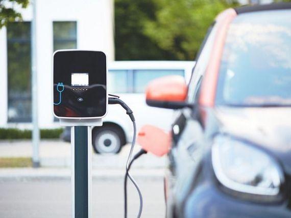Invenția care revoluționează industria auto. Mașinile electrice vor putea fi încărcate în 10 minute