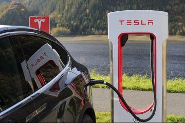 Fabrica Tesla din Germania va fabrica 500.000 de mașini pe an. Câți bani primesc bonus cei care își cumpără mașini electrice