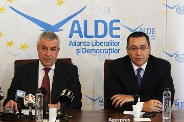 ALDE iese de la guvernare și îl susține, împreună cu partidul lui Victor Ponta, pe Mircea Diaconu la prezidențiale. Scandalurile care au distrus coaliția