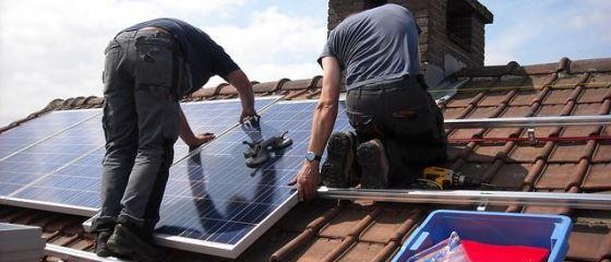 Noul program  Casa Verde  va demara pe 9 septembrie. Câți bani primesc cei care vor să-și instaleze panouri fotovoltaice și ce condiții trebuie să îndeplinească