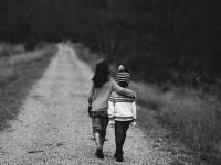 Ministerul Fondurilor Europene alocă 10 mil. euro copiilor ai căror părinți sunt plecați la muncă în străinătate. Cum vor fi folosiți banii
