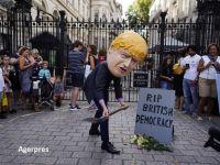 """Criza politică din Marea Britanie se adâncește, după ce regina a aprobat suspendarea Parlamentului, înainte de Brexit: """"E o lovitură de stat"""""""