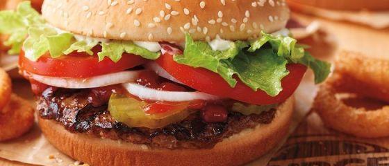 Burger King anunță oficial data deschiderii primului restaurant din România. Ce salarii primesc angajații