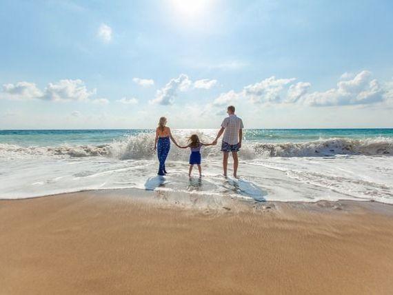 Cum vom face turism în această vară:  paşapoarte COVID-19  obligatorii și coridoare speciale pentru călătorii. Decizie la nivelul UE