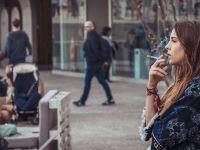 Încă o țară interzice fumatul în aer liber