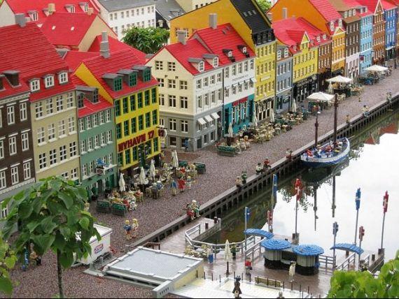 Lego își face sediu comparabil cu Apple sau Nike și vrea să atragă creierele lumii în Danemarca