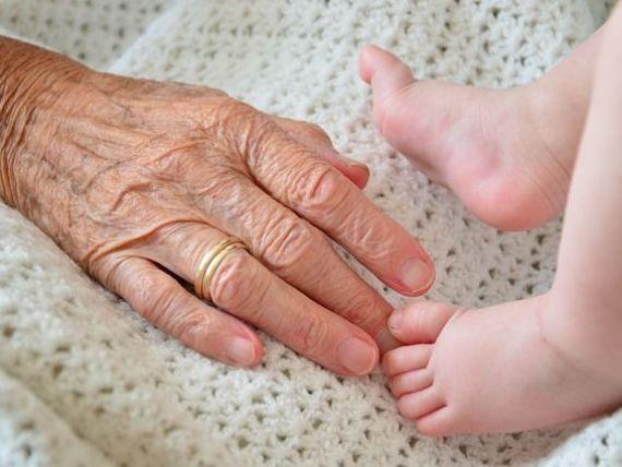 România, din ce în ce mai bătrână. Populaţia de peste 65 ani, cu jumătate de milion mai numeroasă decât populaţia tânără de până în 14 ani
