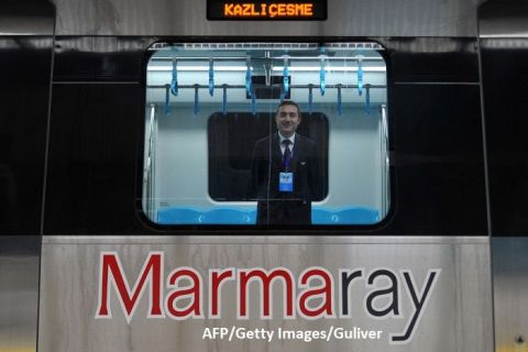 Primul tren de marfă din China către Europa trece pe sub Strâmtoarea Bosfor la Istanbul și scrie istorie pe noul Drum al Mătăsii