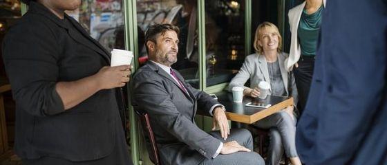 O companie din Spania nu-și mai plătește angajații în pauzele pentru cafea și fumat