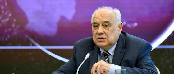 Ion Ghizdeanu, fostul şef al Comisiei de Prognoză, pus sub acuzare. Ar fi aprobat arbitrar peste 1.000 de proiecte finanțate prin Fondul Suveran de Dezvoltare