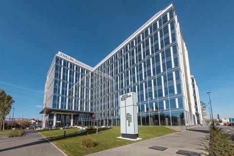 Cum arată noul sediu al ING Bank, unde lucrează 2.000 de oameni. Angajații își pot alege spațiul de lucru și ora la care vin la serviciu