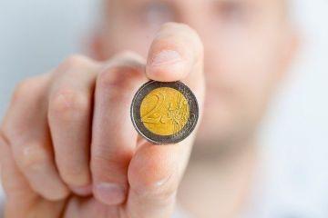 Încă un record pentru euro: leul ajunge la un nou minim istoric față de moneda unică. Ce curs a anunțat BNR