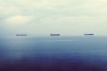 Iranul trimite carburanți la Caracas, deși Venezuela stă pe cea mai mare rezervă de petrol a lumii. Maduro plătește cu lingouri de aur transportate cu avionul