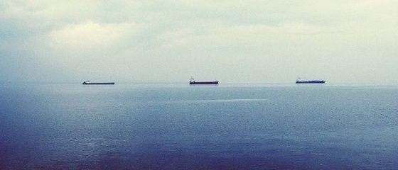Europa,  inundată  cu gaze naturale. Tancurile cu gaz lichefiat așteaptă și o lună în largul coastelor Spaniei, pentru a fi descărcate