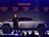Tesla a prezentat primul său vehicul pickup electric blindat, cu un design din filmele SF