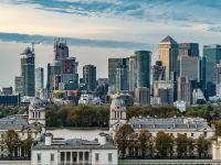 Lovitură pentru românii care locuiesc în Marea Britanie. Toți străinii vor fi taxați suplimentar pentru achizițiile imobiliare