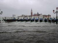 Veneția sub ape. Mareea a atins un nou nivel maxim