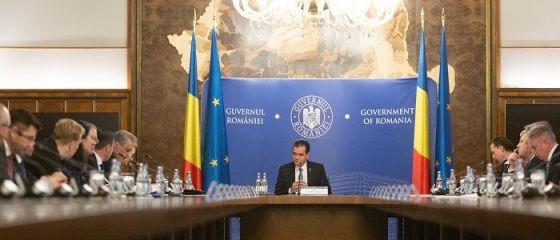 Guvernul finalizează, marți, raportul privind efectele COVID-19 asupra economiei. Cîțu: Există varianta amânării impozitului pe venit pentru persoane fizice