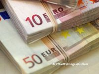 De ce se devalorizează leul: deficitul comercial al României a depășit 14 mld. euro, la 10 luni, și riscă să atingă 18 mld. euro, la finalul anului